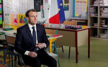 Francia prohíbe a alumnos usar celular en escuelas
