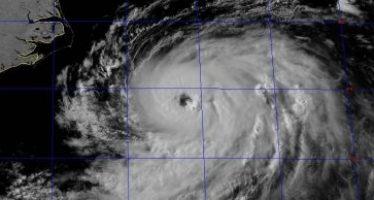 Huracán Chris sube a categoría 2; se ubica al NE de EEUU