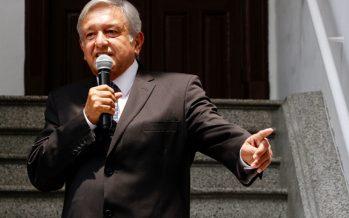 Anuncia López Obrador programa de salud que pondrá en marcha en su gobierno
