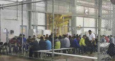 Jueza ordena a administración Trump cambiar trato a niños inmigrantes