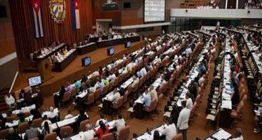 Diputados cubanos prosiguen su análisis sobre nueva Constitución