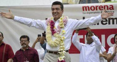 Rutilio Escandón aventaja en elección en Chiapas, según conteo