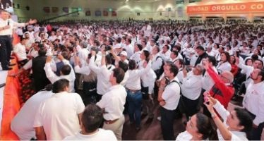 Sindicato nacional de maestros cierra filas con López Obrador