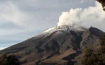 Suma Popocatépetl casi cuatro horas continuas de exhalaciones