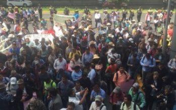 Bloqueada la circulación en lateral de Periférico Sur por manifestantes