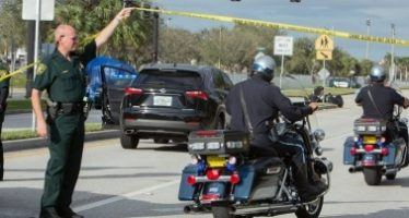 Distrito escolar suspende investigación de masacre en Florida