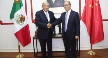 Embajador chino invita a López Obrador a exposición empresarial en Shanghai