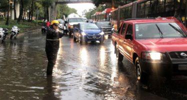 Encharcamientos e inundaciones en sur y norte de la ciudad, por lluvias