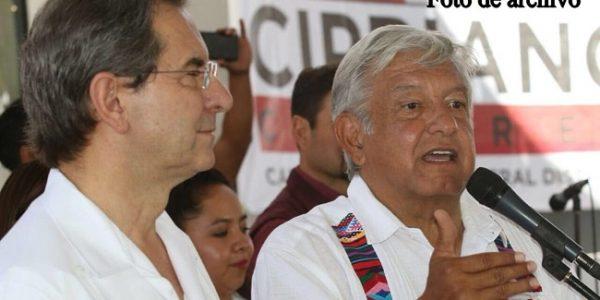 Esteban Moctezuma y AMLO. (@emoctezumab)