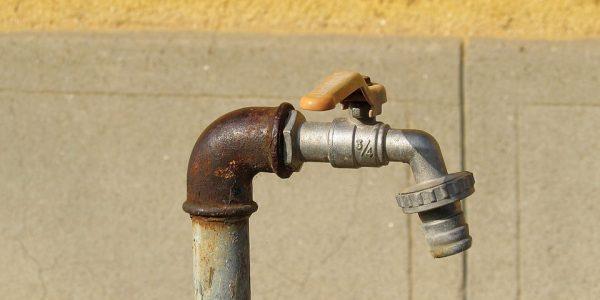 Grifo de agua. (Pixabay)