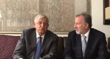 López Obrador recibe en su domicilio particular a José Antonio Meade
