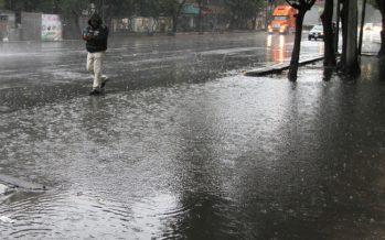 Encharcamientos por lluvias en el centro y sur de la ciudad