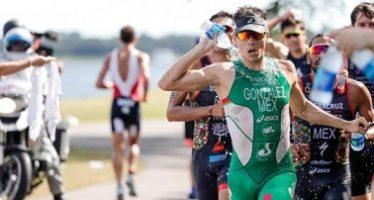 México barre medallas en individual varonil y por equipo en triatlón