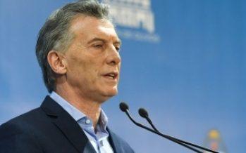 Macri cuestiona corrupción en medio de escándalo por sobornos