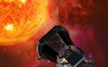"""NASA lanza con éxito la sonda Parker para """"tocar el Sol"""""""