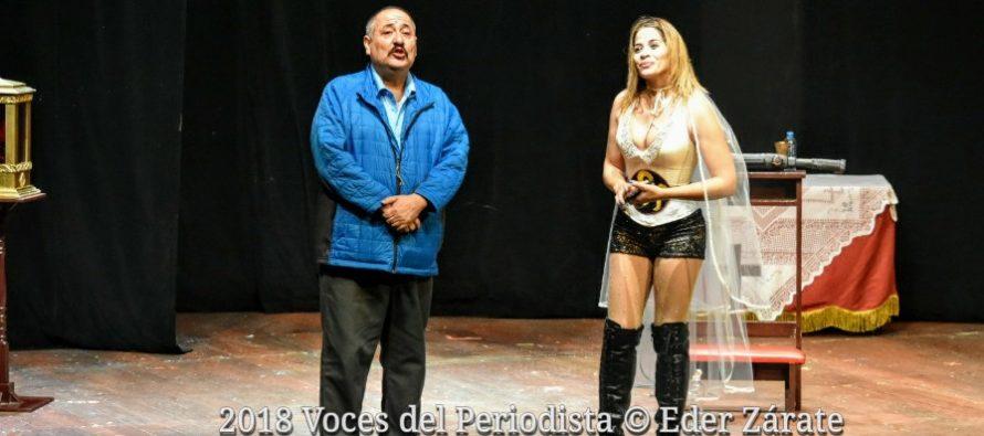 """Se presentó """"Novia de rancho"""" una comedia que ha hecho reír en los teatros del norte de México en el Teatro Helénico"""