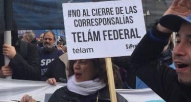 Realizan festival contra despedidos de la agencia de noticias argentina
