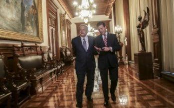 Se reúnen Peña Nieto y López Obrador en Palacio Nacional