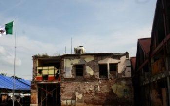A un año del sismo, continúa reconstrucción del mercado en Juchitán