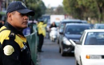 Autoridades aplican operativo por manifestantes en la capital