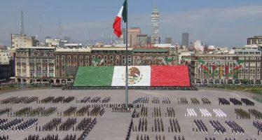 Invasión festiva se dio en la plancha del Zócalo capitalino