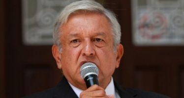 López Obrador dialoga con el gobernador del Banco de México