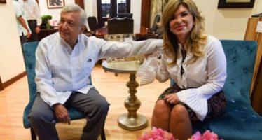López Obrador y Claudia Pavlovich dialogan sobre agua y carreteras
