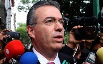 López Obrador y titular del Banco de México analizan agenda de trabajo