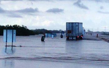 Policía Federal cierra carreteras afectadas por lluvias en Sonora y Sinaloa