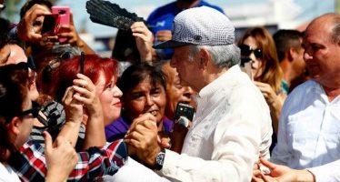 Reafirma López Obrador que gobernará cerca de la gente